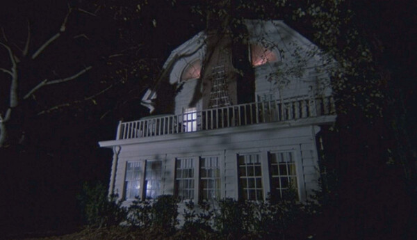 amityville-horror-1979-house-movie-demons-review