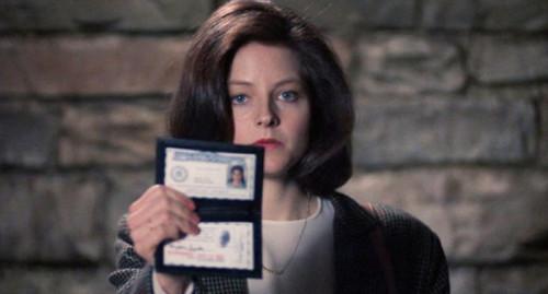 FBI : Je viens réquisitionner un foie aux fèves et à l'excellent Chianti. (C) Orion Pictures