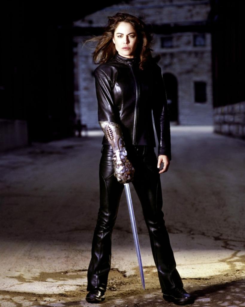Sara-Pezzini-witchblade-tv-series-38976084-819-1024