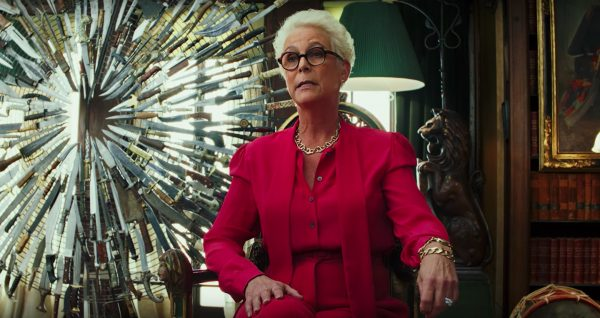 knives-out-jamie-lee-curtis-600x318
