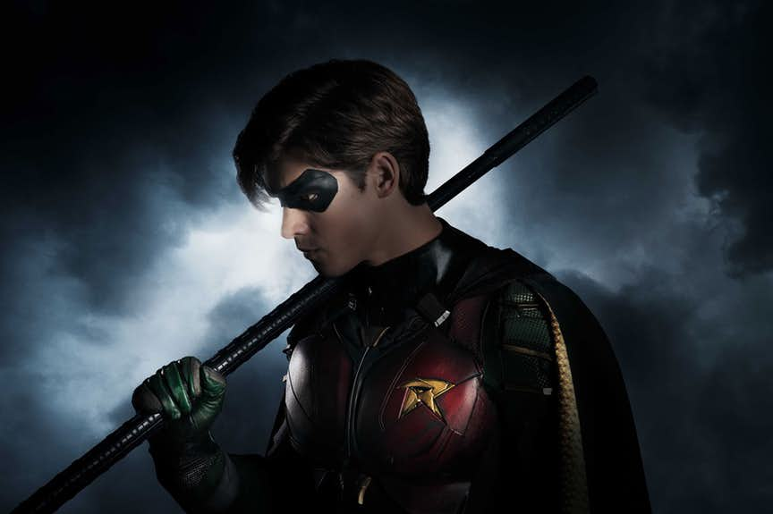 TITANS-ROBIN-First-Look-Final